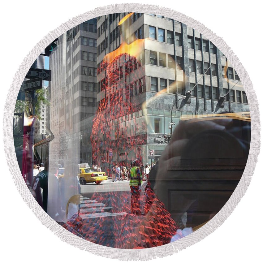 New York Round Beach Towel featuring the photograph 5th Avenue by Valerie Ornstein