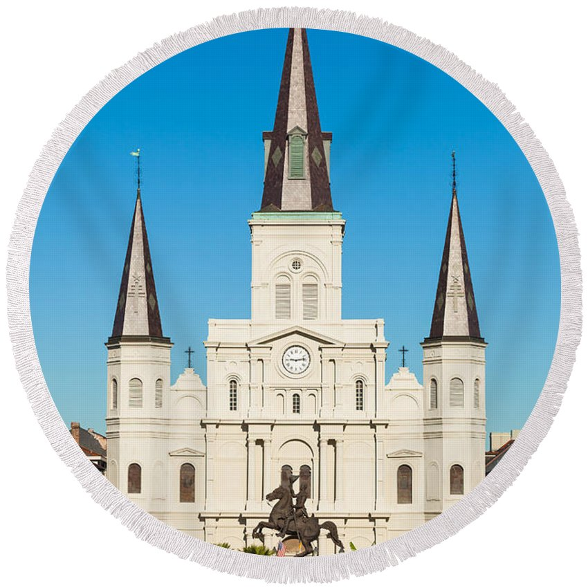 Architecture Round Beach Towel featuring the photograph Saint Louis Cathedral by Raul Rodriguez