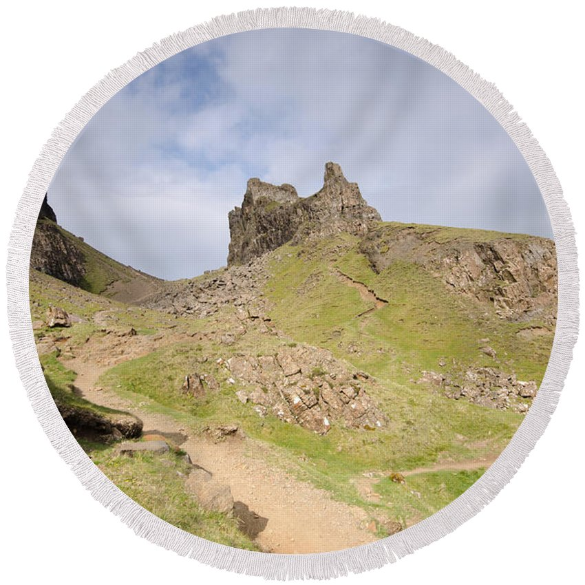 Quiraing Scotland Round Beach Towel featuring the photograph The Quiraing by Smart Aviation