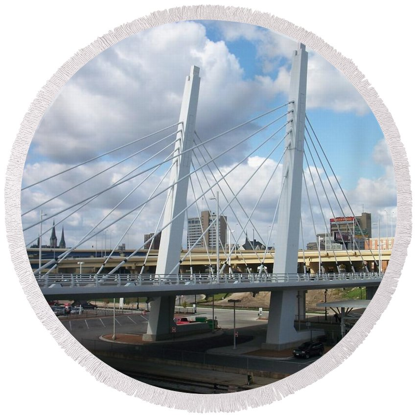 Bridge Round Beach Towel featuring the photograph 6th Street Bridge by Anita Burgermeister