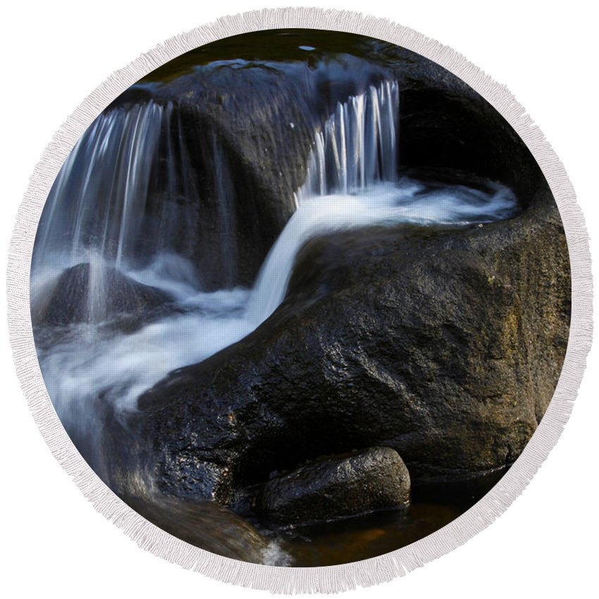 Beautiful Round Beach Towel featuring the photograph Water Flowing by Les Cunliffe