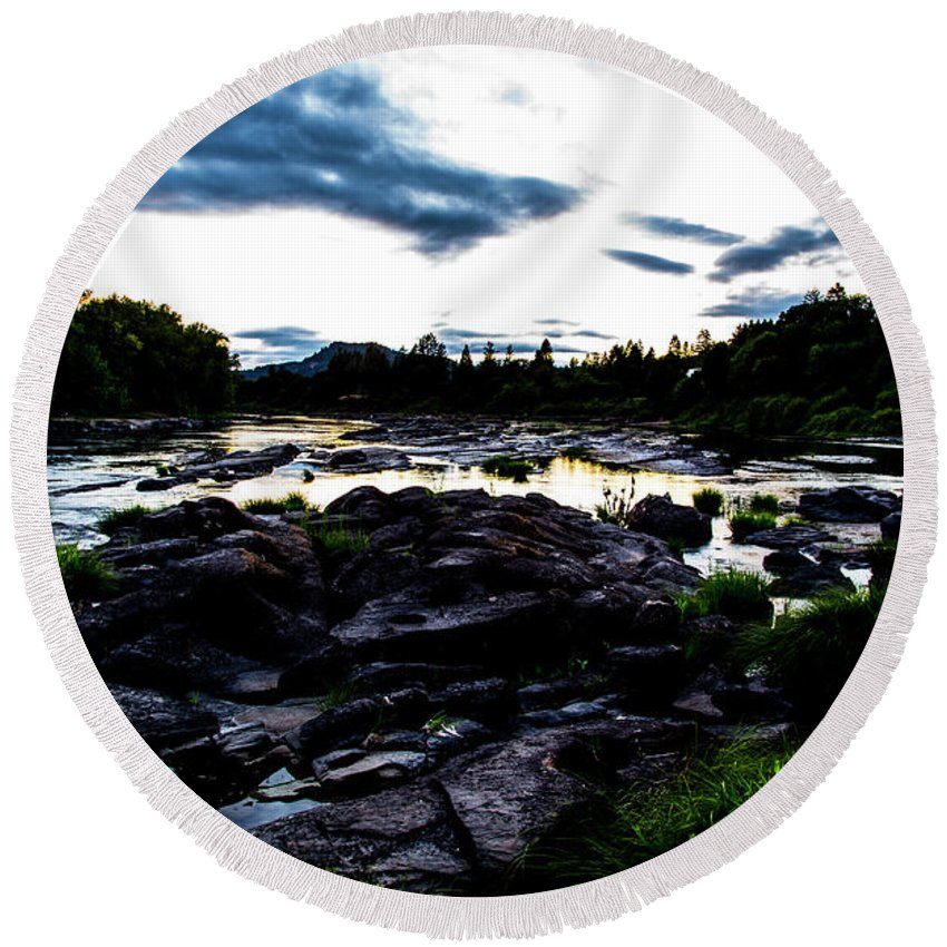 Round Beach Towel featuring the photograph Elkton River by Angus Hooper Iii