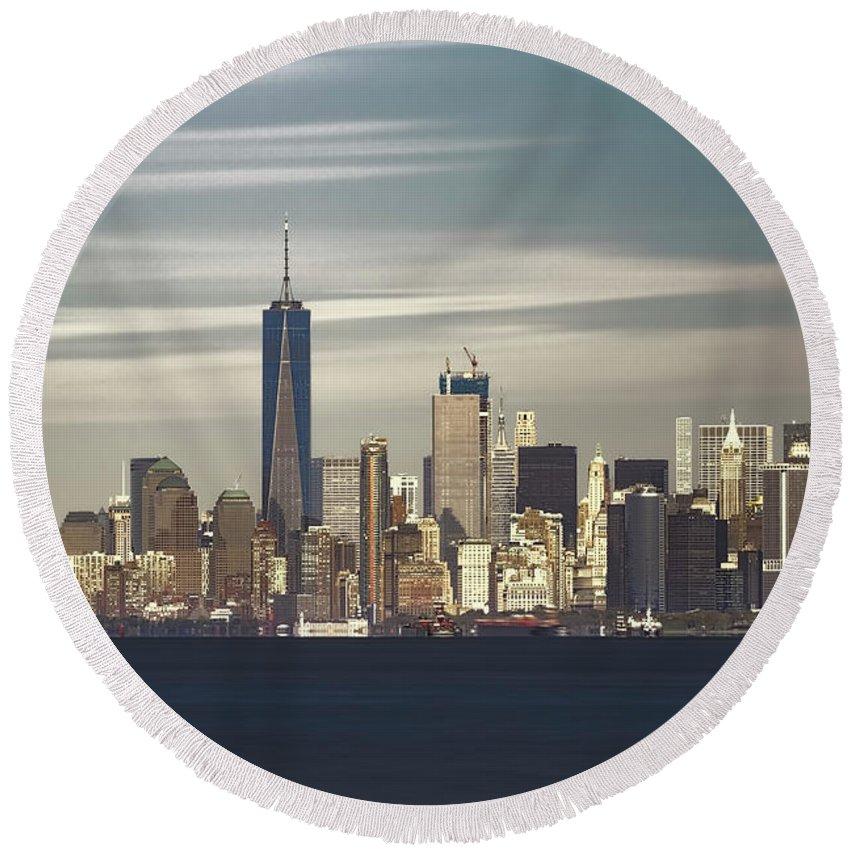 Fredom Tower Round Beach Towel featuring the photograph New York City by Anatoliy Urbanskiy