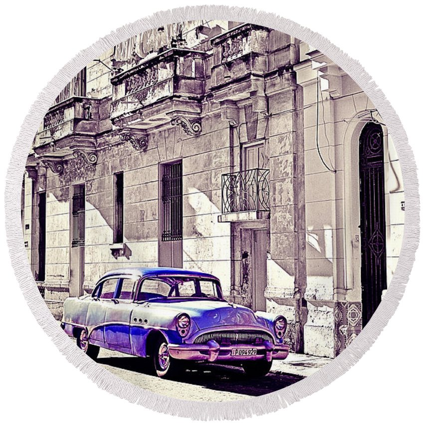 Havana Round Beach Towel featuring the photograph Havana, Cuba by Chris Andruskiewicz