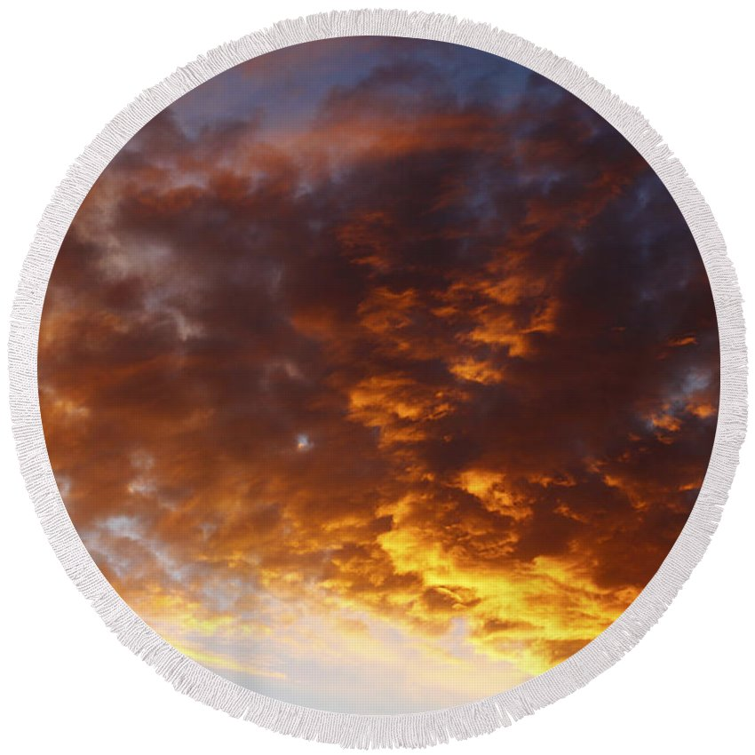 Clouds Round Beach Towel featuring the photograph Summer Sky by Les Cunliffe