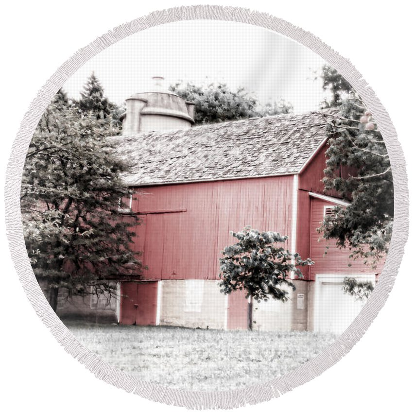 Barn Round Beach Towel featuring the photograph A Barn In The City by Debbie Nobile