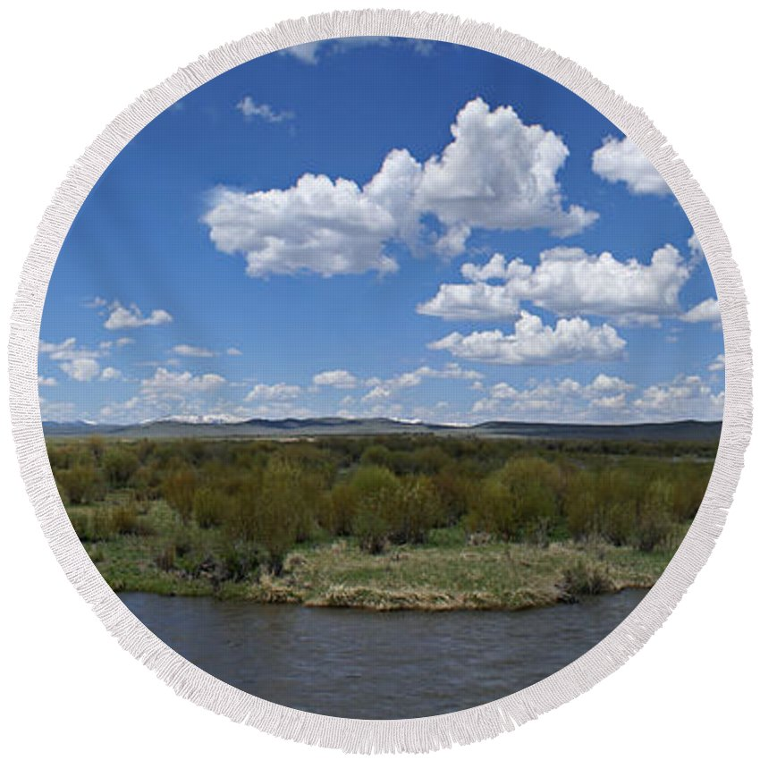 River Round Beach Towel featuring the photograph A Bend In The River by Heather Coen