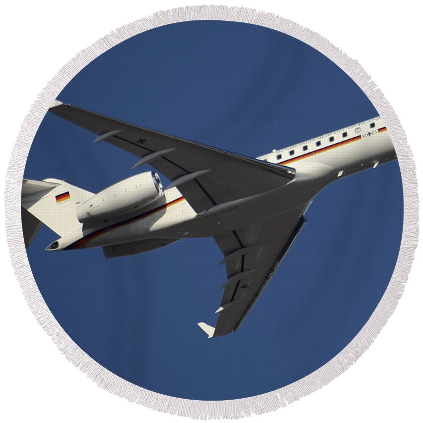 Germany Round Beach Towel featuring the photograph A Bombardier Global 5000 Vip Jet by Timm Ziegenthaler