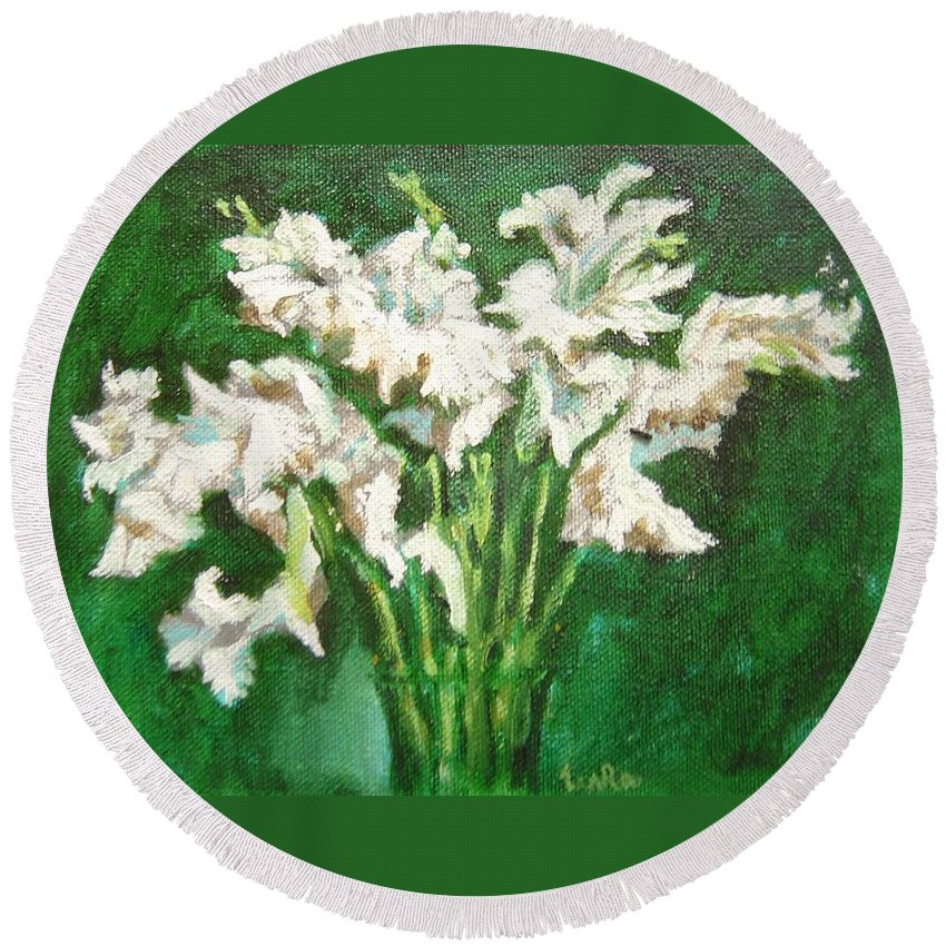 Bunch Round Beach Towel featuring the painting A bunch of White Gladioli by Usha Shantharam