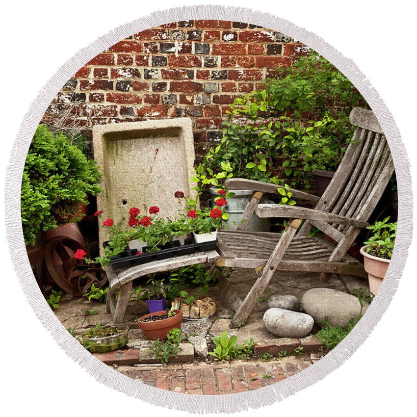 Garden Round Beach Towel featuring the photograph A Garden Corner by Loan Tran