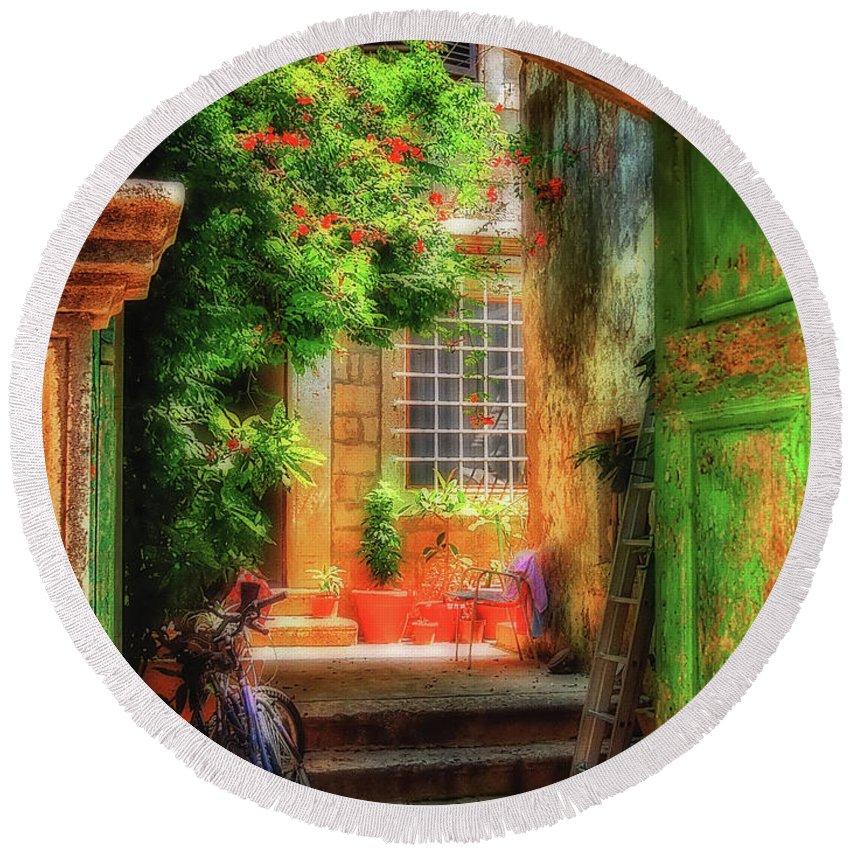 Doorway Round Beach Towel featuring the photograph A Glimpse by Lois Bryan