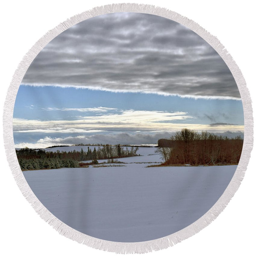 Landscape Round Beach Towel featuring the photograph A Patch Of Blue by William Tasker