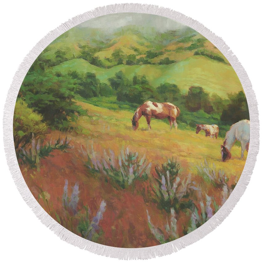 Horse Round Beach Towel featuring the painting A Peaceful Nibble by Steve Henderson