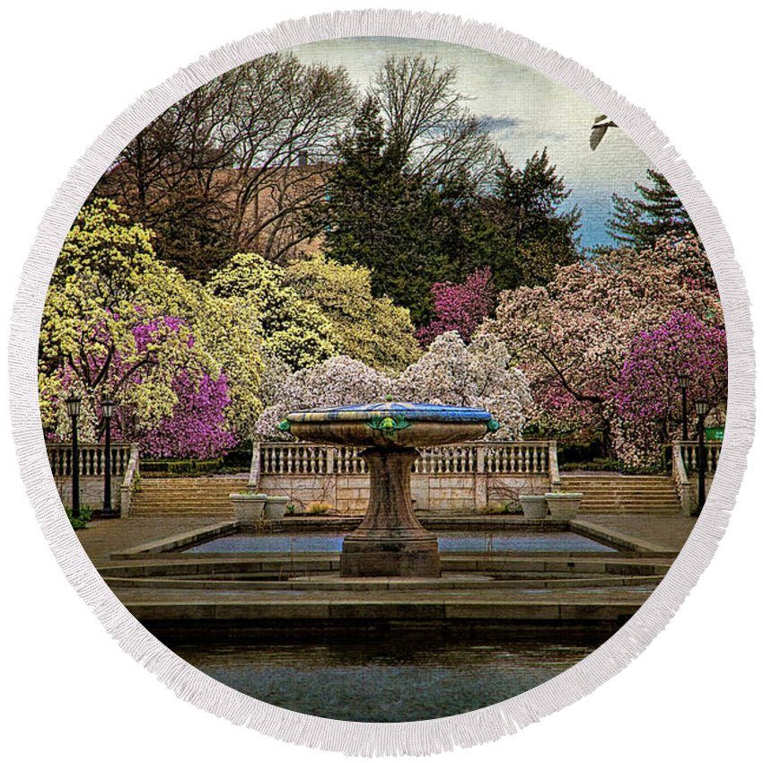 Brooklyn Round Beach Towel featuring the photograph A Rainy Day In Magnolia Season by Chris Lord