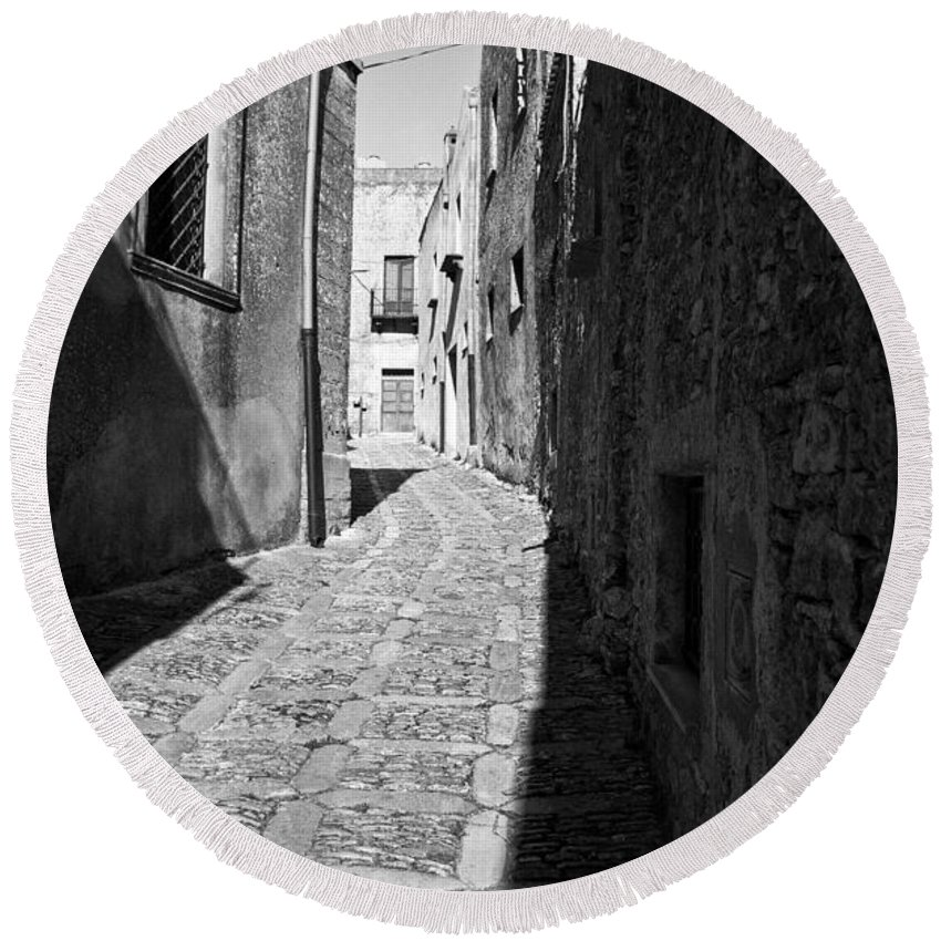 Street Round Beach Towel featuring the photograph A Street In Sicily by Madeline Ellis