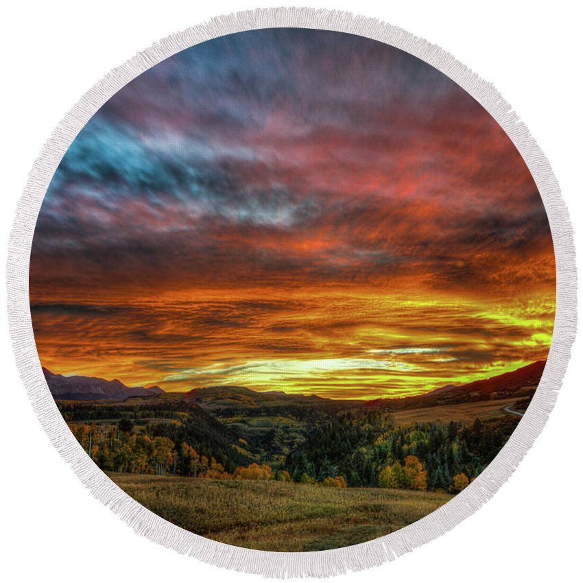 Sunset Round Beach Towel featuring the photograph A Sunset To Remember by Bill Sherrell