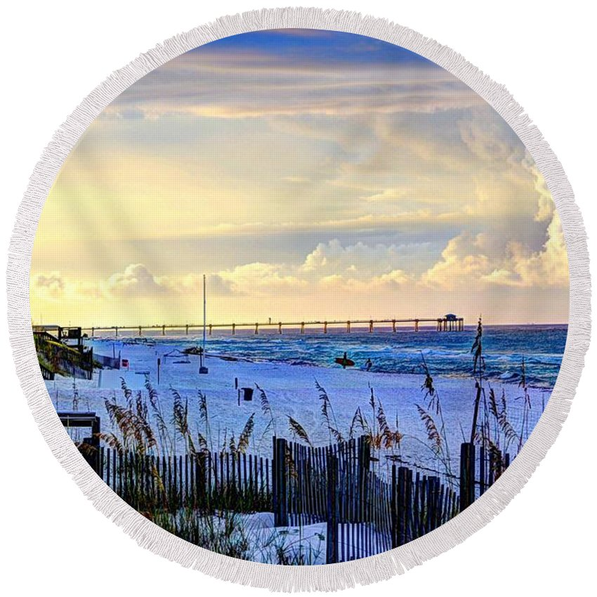 Destin Round Beach Towel featuring the photograph A Taste Of Heaven by David Morefield