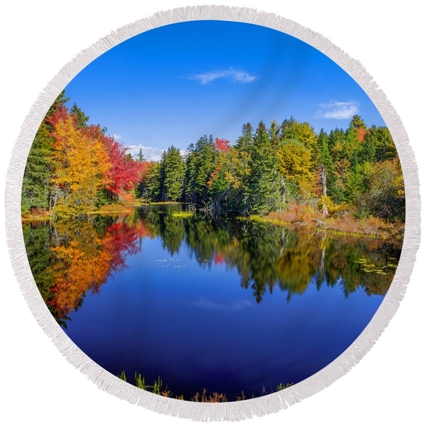 Maine Round Beach Towel featuring the photograph A Touch Of Fall by Tom Weisbrook