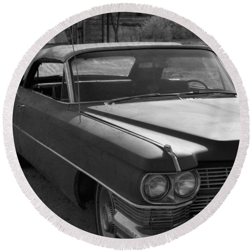 Cadillac Round Beach Towel featuring the photograph Abandoned Classic by Richard Rizzo