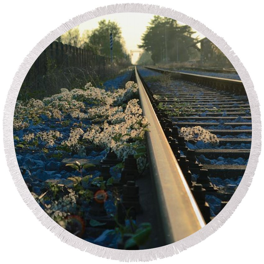 Train Round Beach Towel featuring the photograph Abandoned Tracks by Photos By Zulma
