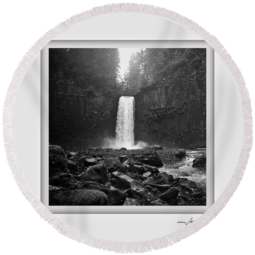 Columbia Gorge Round Beach Towel featuring the photograph Abiqua Falls Amphitheater by Ingrid Smith-Johnsen