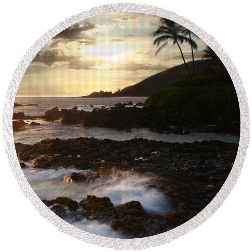Aloha Round Beach Towel featuring the photograph Ahe Lau Makani O Paako by Sharon Mau