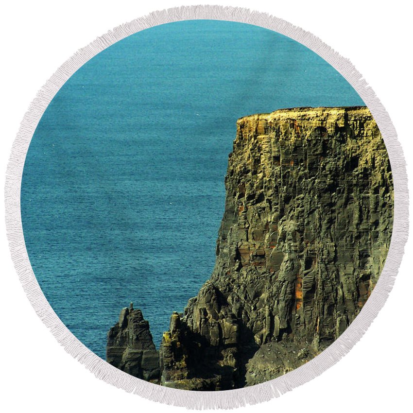 Irish Round Beach Towel featuring the photograph Aill Na Searrach Cliffs Of Moher Ireland by Teresa Mucha
