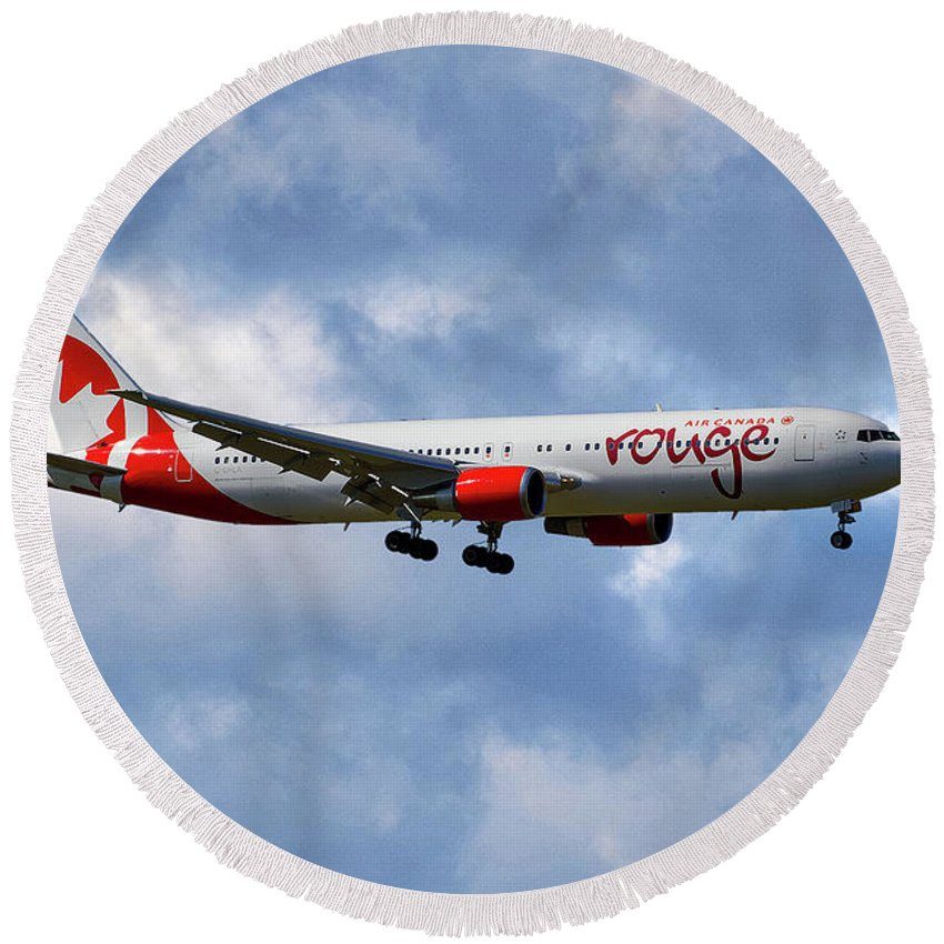 Air Canada Round Beach Towel featuring the photograph Air Canada Rouge Boeing 767-35h 118 by Smart Aviation