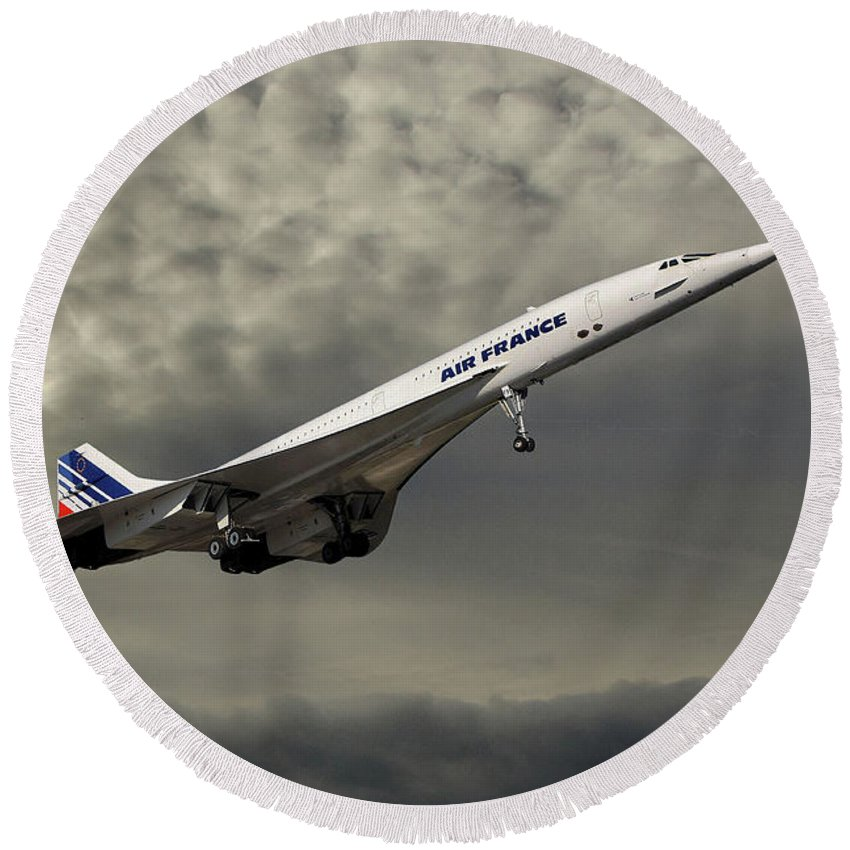Air France Round Beach Towel featuring the photograph Air France Concorde 116 by Smart Aviation