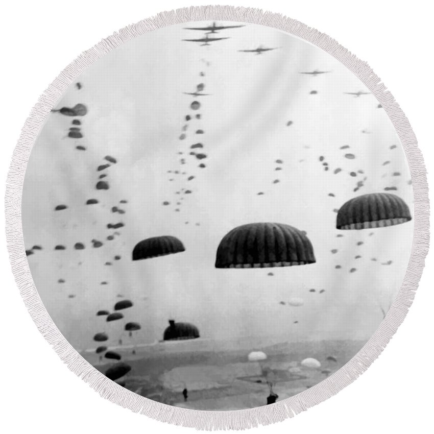 Designs Similar to Airborne Mission During Ww2