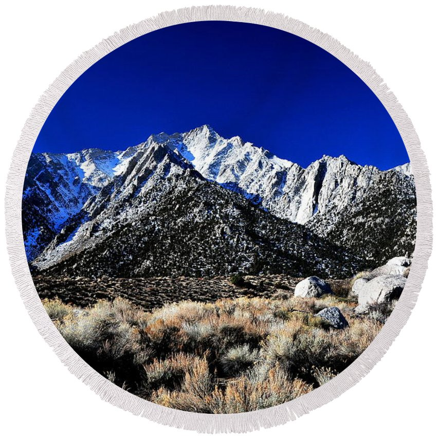 Landscape Round Beach Towel featuring the photograph Alabama Hills Wakeup by Duane Middlebusher