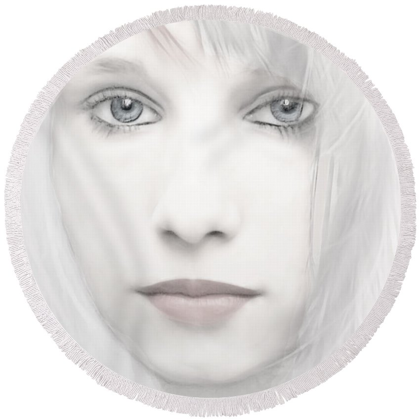 Woman Round Beach Towel featuring the photograph Alabaster-face by Joachim G Pinkawa