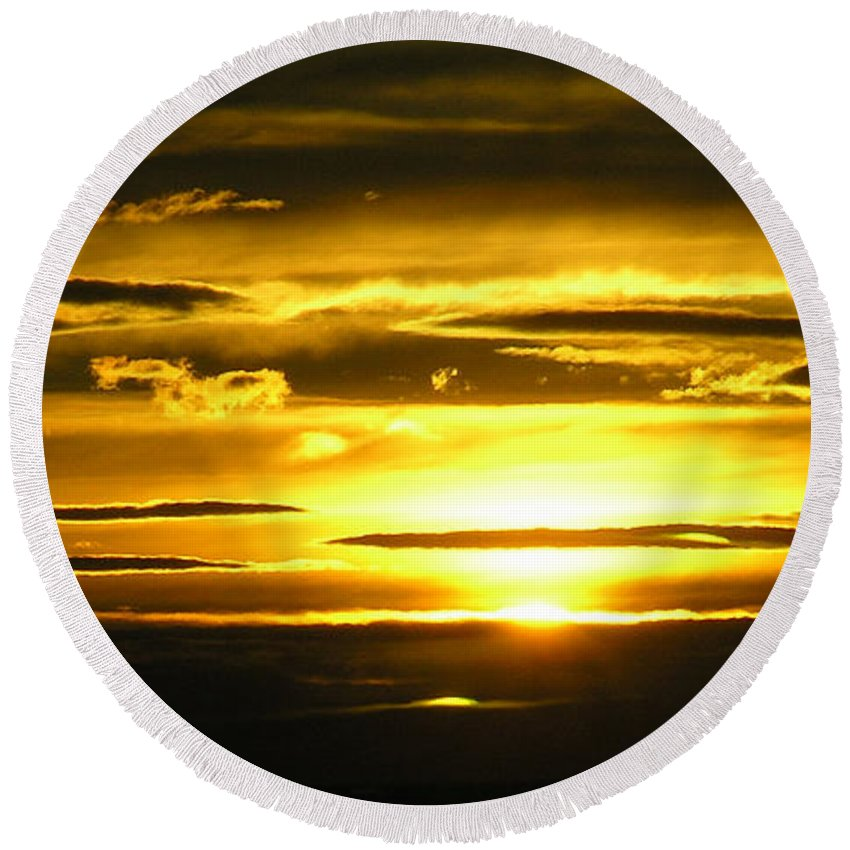 Sunset Round Beach Towel featuring the photograph Alaskan Sunset by Louise Magno