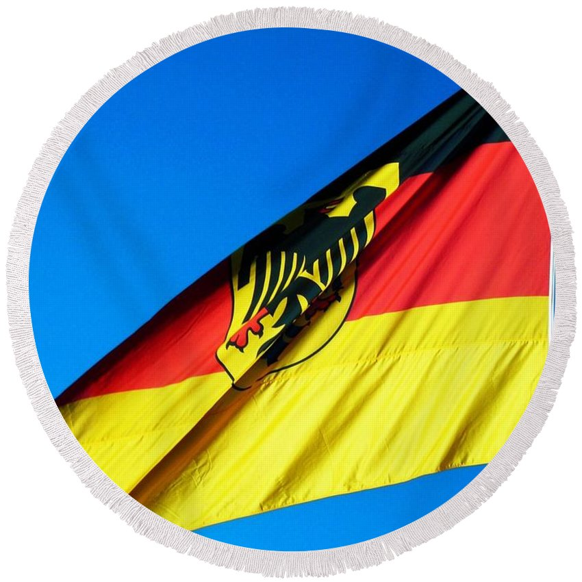 Drapeau Round Beach Towel featuring the photograph Allemagne ... by Juergen Weiss