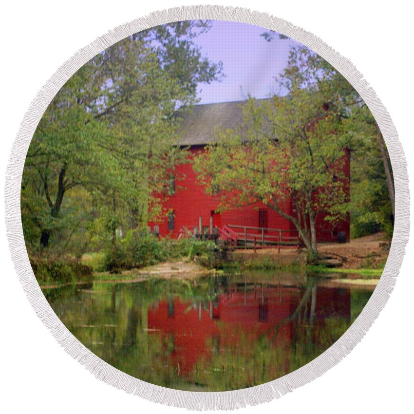 Alley Spring Round Beach Towel featuring the photograph Allsy Sprng Mill 2 by Marty Koch