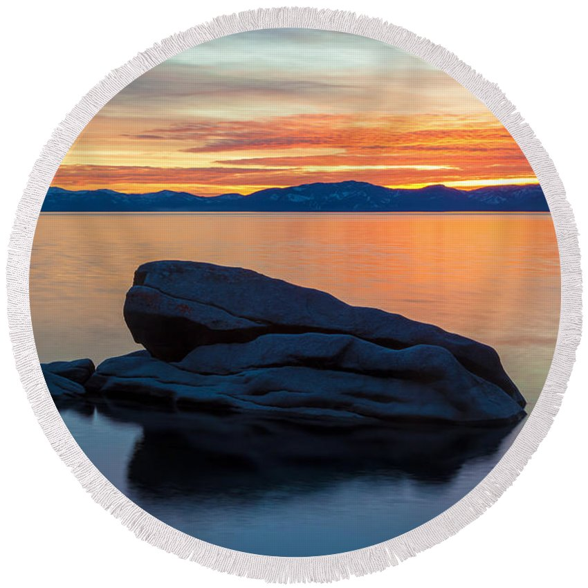 Landscape Round Beach Towel featuring the photograph Aloneness by Jonathan Nguyen