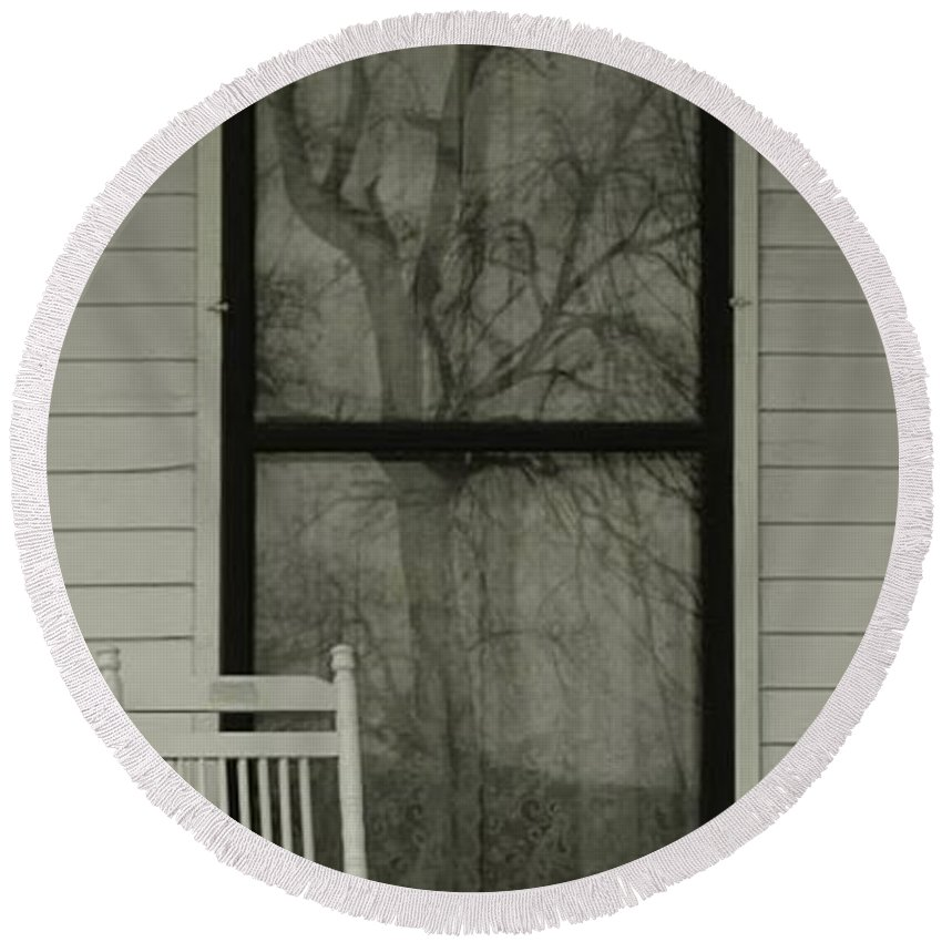 Historic Home Round Beach Towel featuring the photograph Amelia's Reflection by Pattie Frost