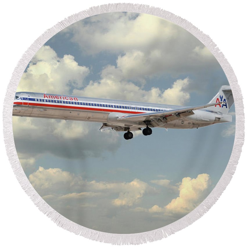 Md80 Round Beach Towel featuring the digital art American Airlines Md-80 by J Biggadike