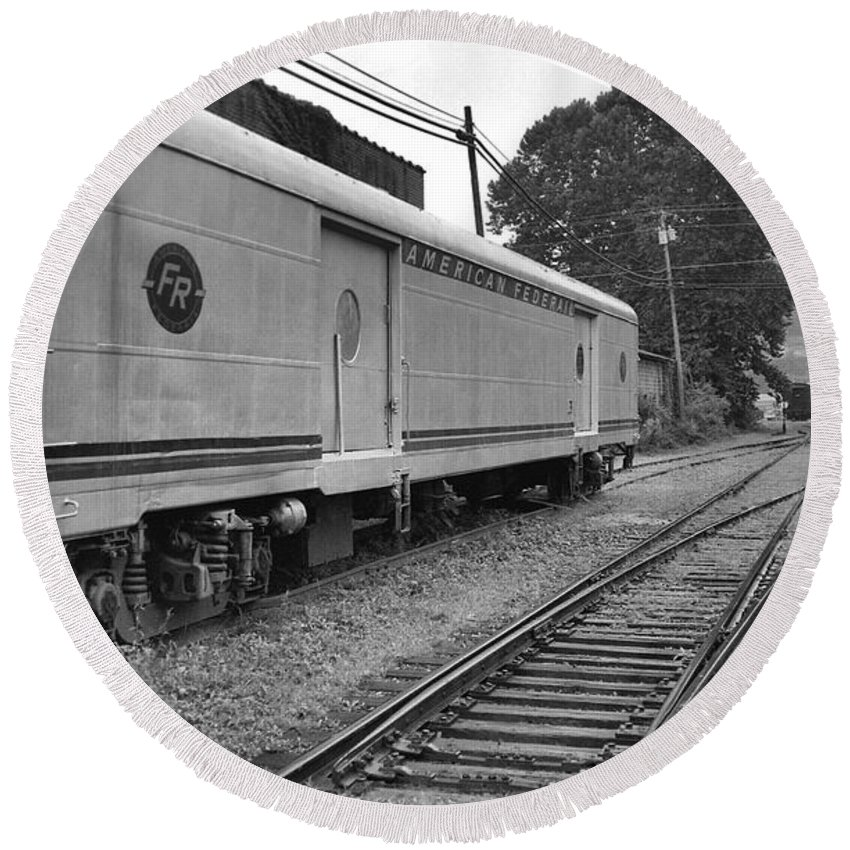 Trains Round Beach Towel featuring the photograph American Federail by Richard Rizzo