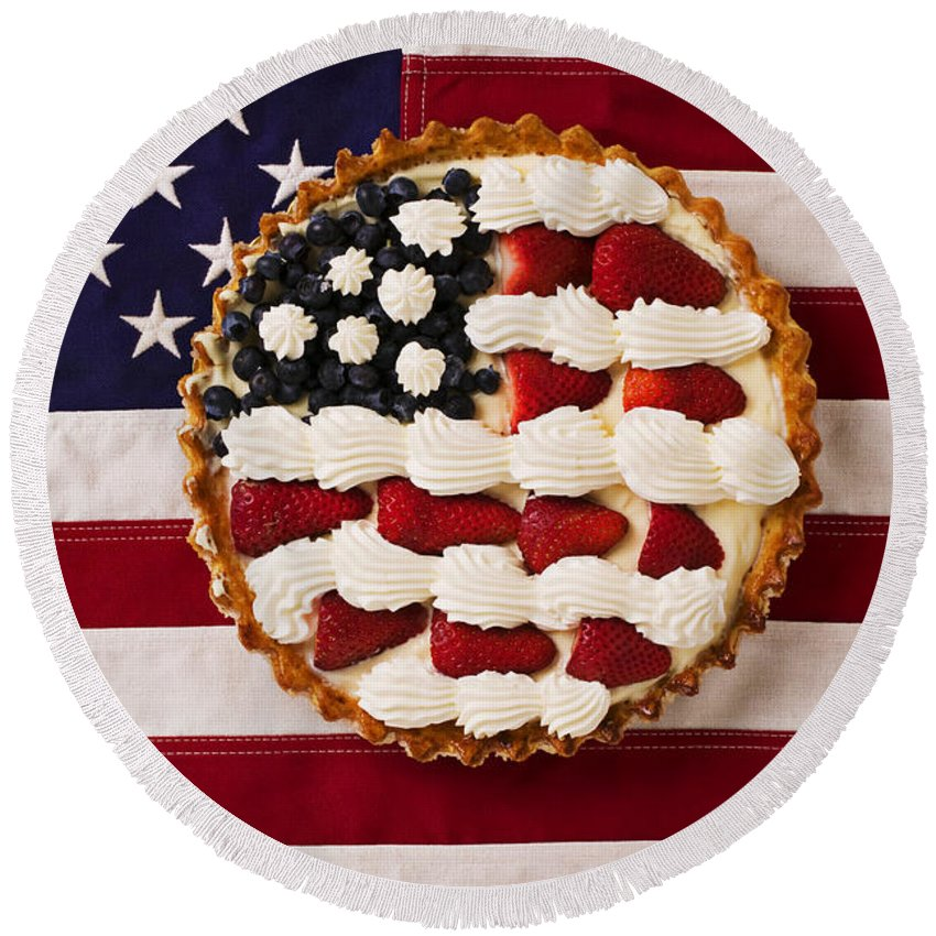 Pie American Flag Strawberries Round Beach Towel featuring the photograph American Pie On American Flag by Garry Gay