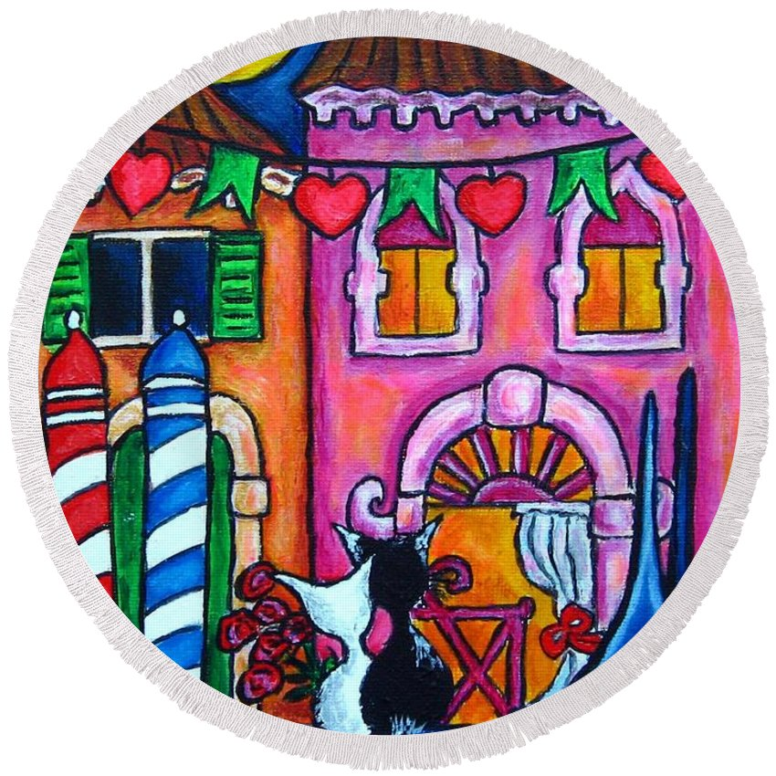 Cats Round Beach Towel featuring the painting Amore In Venice by Lisa Lorenz