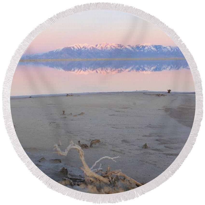 Nature Round Beach Towel featuring the photograph An Island Sunset by Tonya Hance