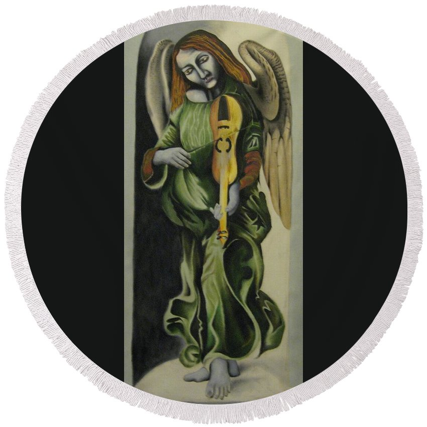 Round Beach Towel featuring the painting Angel With Violin by Ronnie Lee