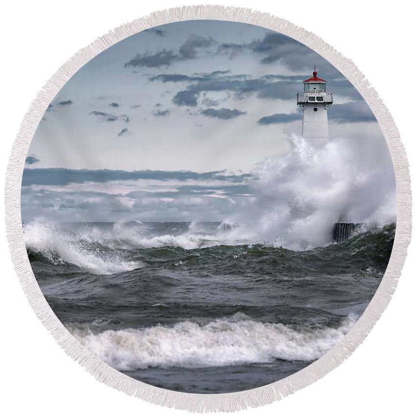 Sodus Point Lighthouse Round Beach Towel featuring the photograph Angry Waters Of Lake Ontario by Scott Reyes