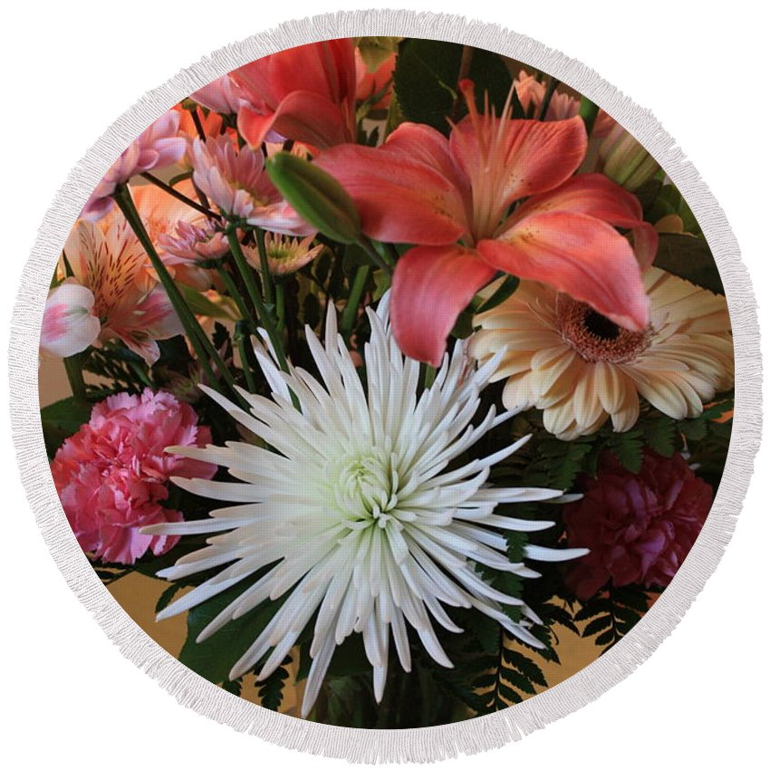 Bouquet Round Beach Towel featuring the photograph Anniversary Card by Carol Groenen
