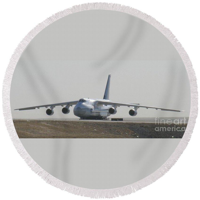 Antonov An 124 Cargolifter Plane Aircraft Round Beach Towel featuring the photograph Antonov An 124 Cargolifter Plane Aircraft by R Muirhead Art
