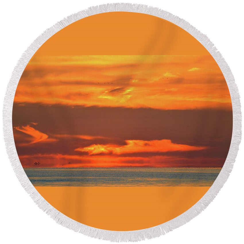 Abstract Round Beach Towel featuring the photograph Approaching August Sunrise At Lake Simcoe by Lyle Crump
