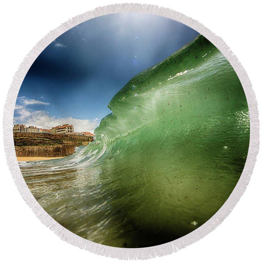 Ocean Round Beach Towel featuring the photograph Aquila by Eduardo Herrera