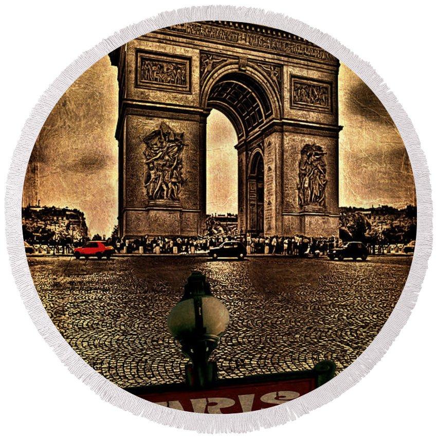 Paris Round Beach Towel featuring the photograph Arc De Triomphe by Chris Lord