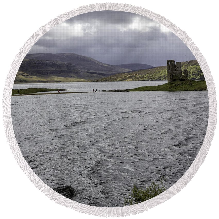 Ardvreck Round Beach Towel featuring the photograph Ardvreck Castle by Fran Gallogly